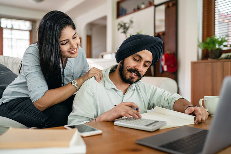 First-time homebuyers creating their budget